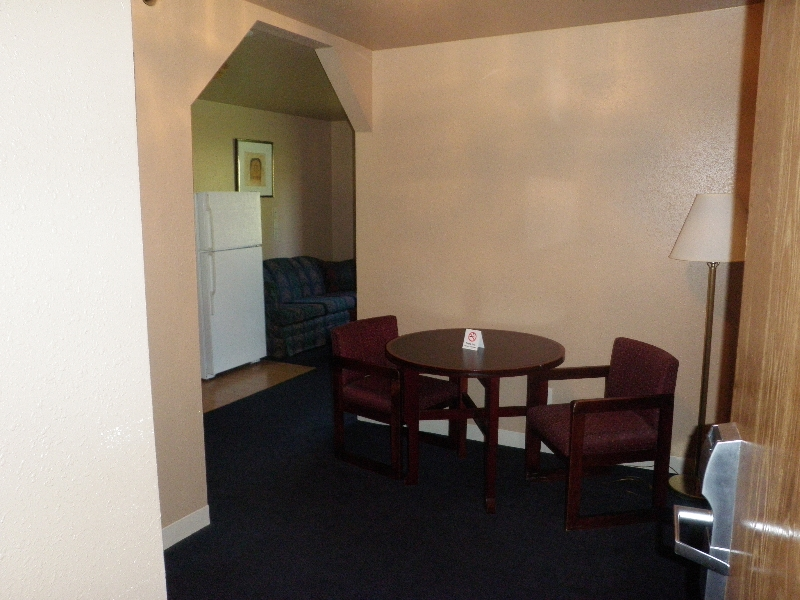 home-place-inn-13-room-228-single-kitchette-suite-nonsmoking