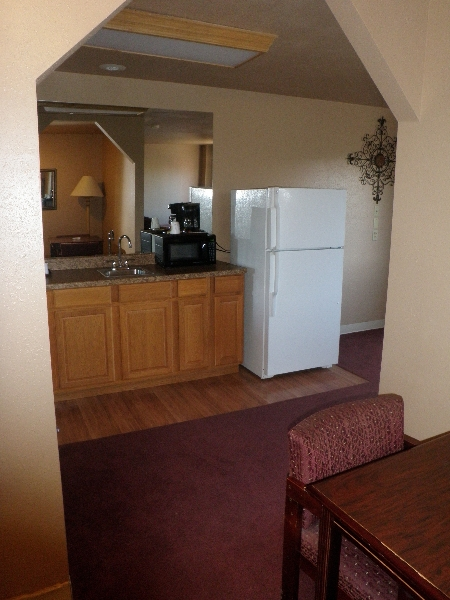 home-place-inn-156-room-101-single-kitchette-suite-smoking