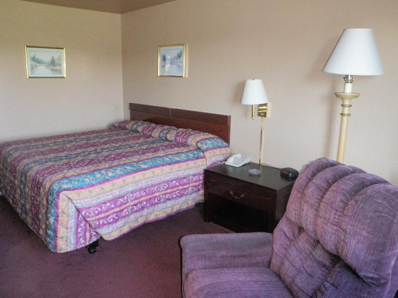 home-place-inn-room-215-single-nonsmoking-5